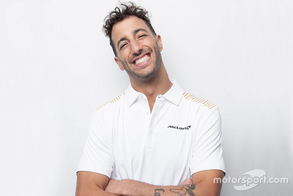 Daniel Ricciardo si mostra con i colori McLaren