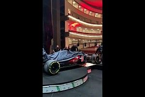 Спонсор Alfa Romeo показал новую машину C41 до презентации