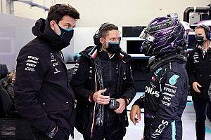 La negociación de la renovación de Hamilton: a final de temporada