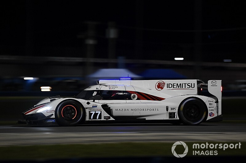 Rolex 24, Hour 8: Second caution shakes up order