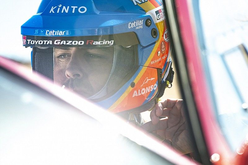 """""""Remporter une étape"""": Encouragé par son rythme, Alonso y croit"""