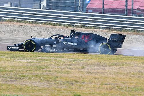 Vídeos y fotos: los F1 2020 que ya ruedan en el asfalto