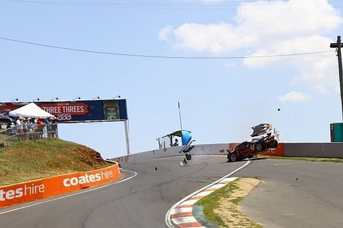 Huge crash rocks Bathurst qualifying