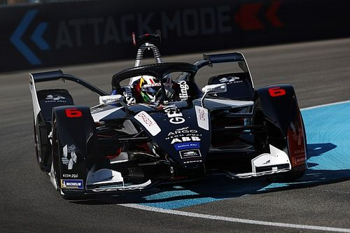 Hartley's Formula E debut ends with double penalty