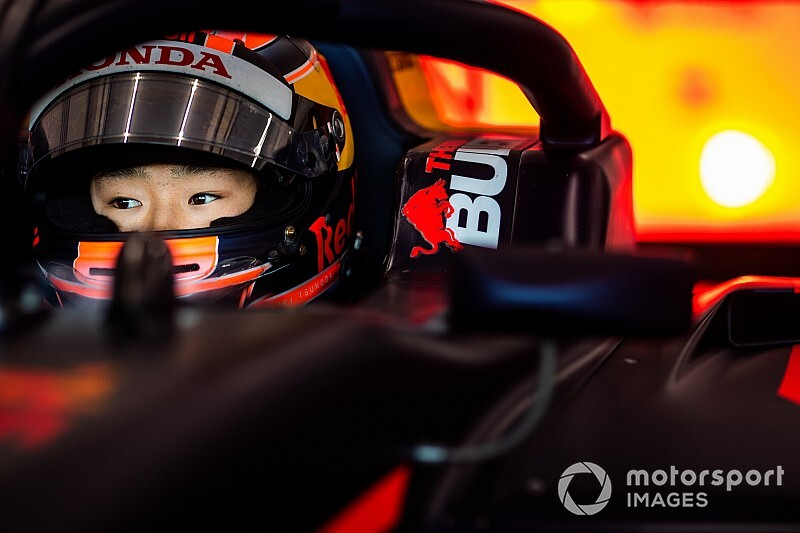 Honda junior Tsunoda secures F2 graduation with Carlin