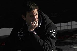 Экс-пилот Ф1: Между Вольфом и Mercedes пошла трещина