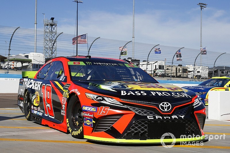JGR names new crew chief for Martin Truex Jr.