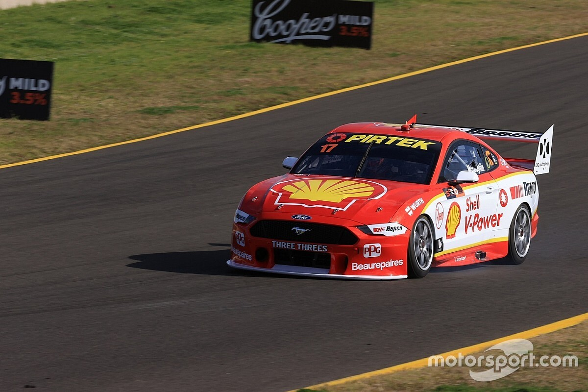 Sydney Supercars: McLaughlin takes night race pole