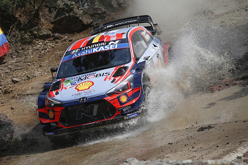 Mexico WRC: Neuville snatches early lead on Thursday