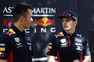 Ферстаппен и Элбон устроили собственную гонку в Австралии. На тележках с мотором