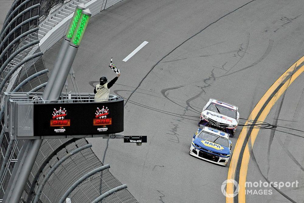 Hamlin just wanted to keep Elliott 'honest' in final laps