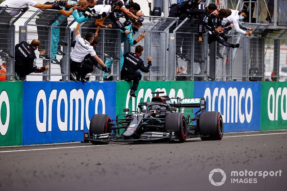 匈牙利大奖赛:汉密尔顿第八次称雄亨格罗林