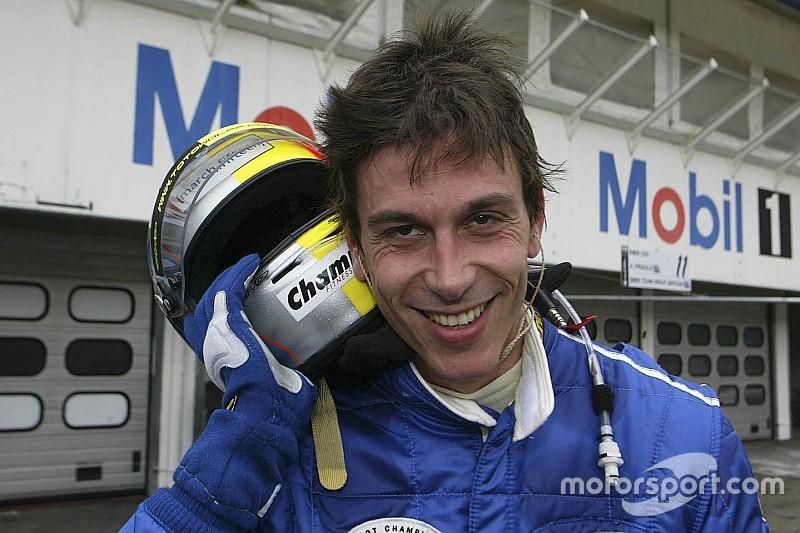 Achtergrond: De racecarrière van Mercedes-teambaas Toto Wolff