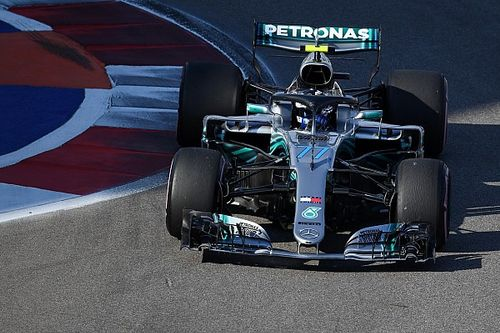 Sochi, Qualifiche: Bottas ruba la pole a Hamilton, ma la Ferrari va a picco
