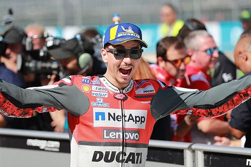 Lorenzo obtuvo la pole position en Aragón y Rossi fue 18°