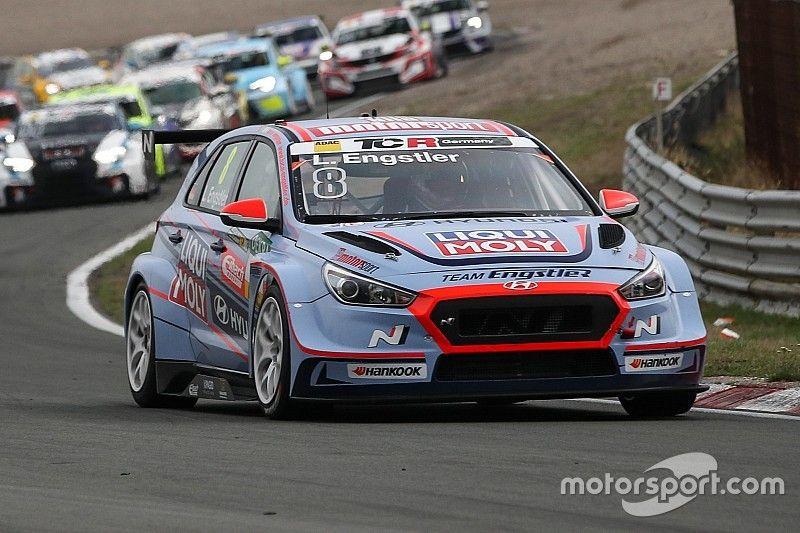 Prima pole position con la Hyundai per Luca Engstler al Sachsenring