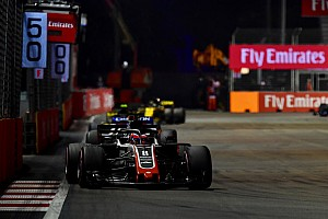 FIA no cambiará las reglas de banderas azules en la F1