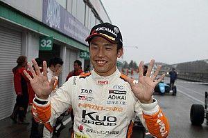 2ヶ月越しに開催された第9戦、坪井翔が10連勝を達成し今季15勝目