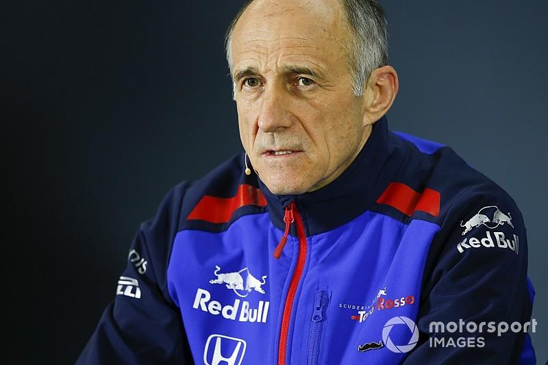 A Toro Rosso szerint túl sokat költ a Mercedes és a Ferrari a Forma-1-ben: hol a határ?