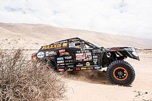 Tim en Tom Coronel: van overnachten in de woestijn naar vlekkeloze etappe