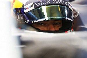 Gasly présente le casque de sa première saison avec Red Bull