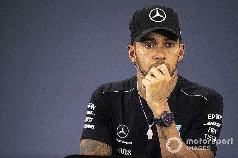 """Hamilton punge la Ferrari: """"Non ha fatto un buon lavoro nella seconda metà della stagione"""""""