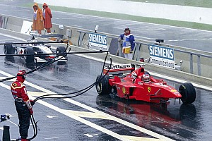 """Schumacher rettentő dühös volt, alig bírták lefogni: """"Meg akartál ölni?!"""" - tette fel a kérdést (videóval)"""