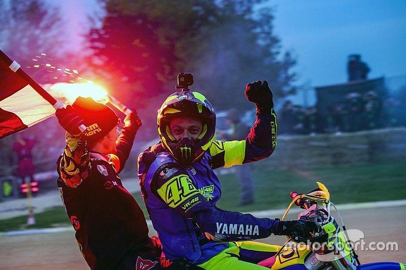 "Rossi/Morbidelli gewinnen ""100 Kilometer der Champions"" in Tavullia"