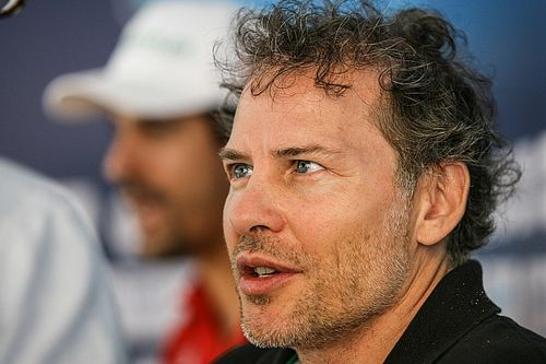 Вильнев выступит на Ferrari в итальянском GT