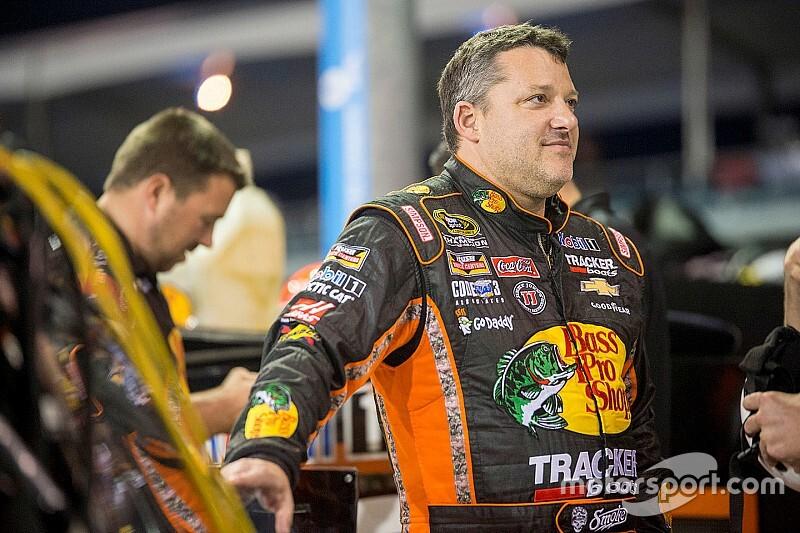 A Haas pilótái belekóstolnak a NASCAR-ba