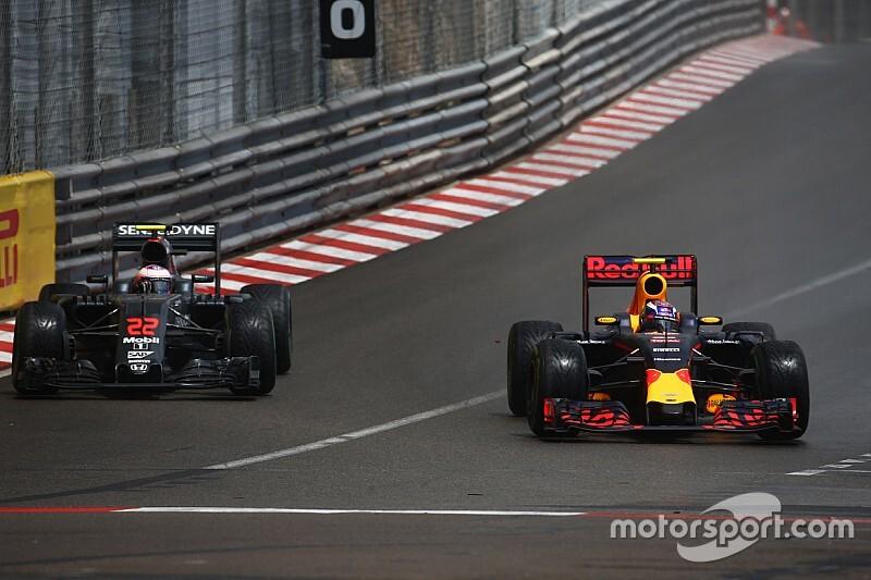 """Button: """"Verstappen şimdiye kadarki en iyi F1 pilotlarından birisi"""""""