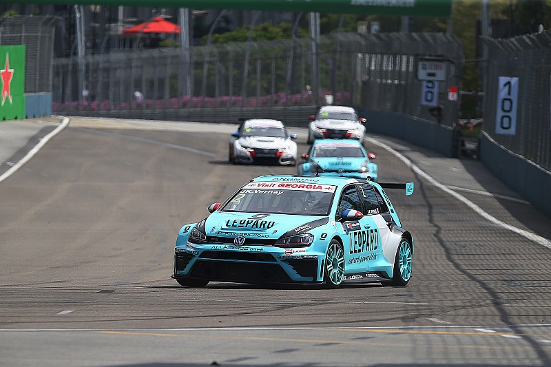 Singapore TCR: Vernay leads easy Leopard 1-2