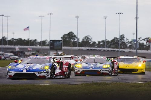 Daytona 24 Hours: Hr21 – GTLM fight is on as Cadillac prototypes duel