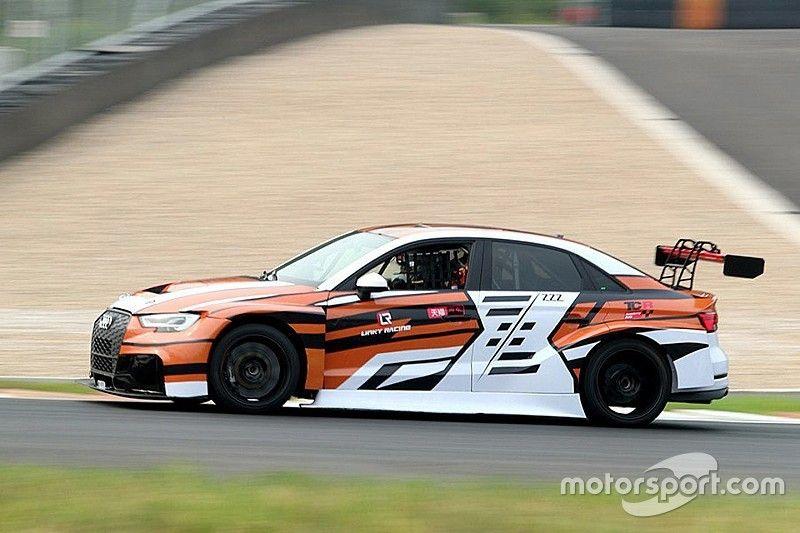 Jiang e Zhang con le Audi del ZZZ Team a Zhejiang