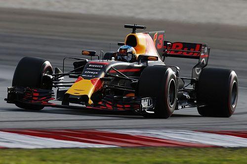 """Ricciardo lachend: """"Heb Max een halve tiende cadeau gedaan!"""""""