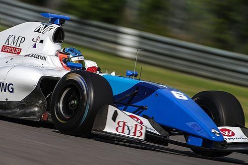 Fittipaldi se complica na largada em vitória de Isaakyan