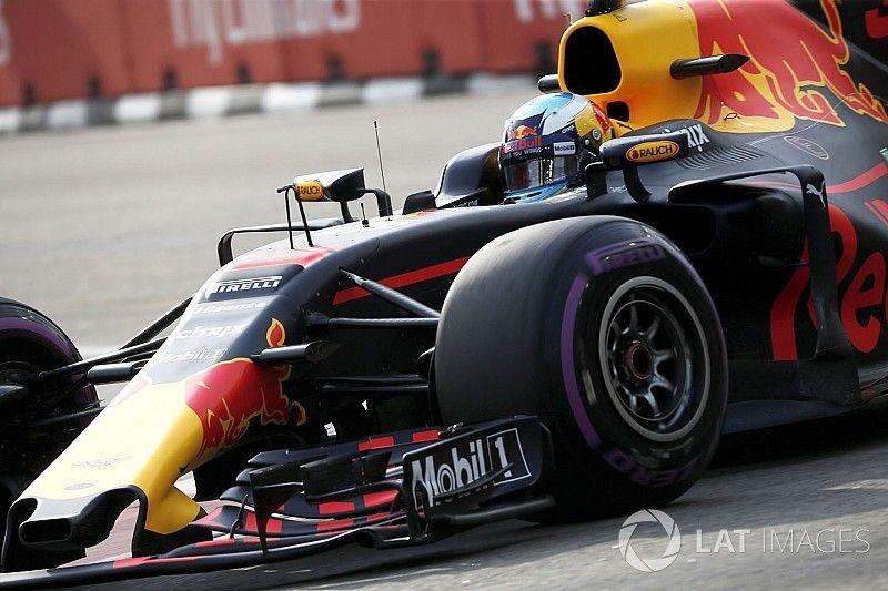Red Bull avisa liderando los primeros libres del GP de Singapur