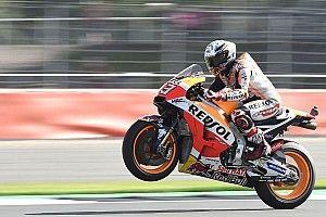 Pole de récord para Márquez y Rossi segundo en Silverstone