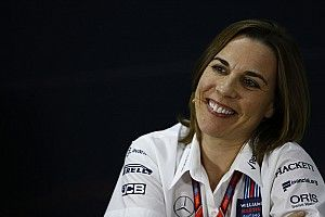 Claire Williams apoia banimento das grid girls na F1