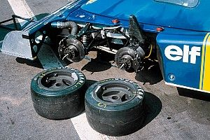 """Grosjean """"armó"""" el Tyrrell de seis ruedas en su día libre"""