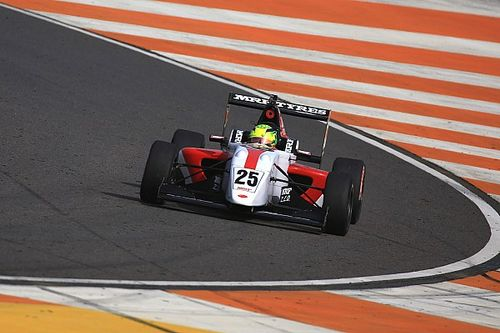 Buddh MRF Challenge: Schumacher sets the pace in Friday practice