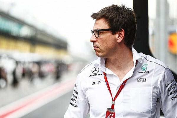 Формула 1 Новость Вольф попросил Джордана прекратить распространять слухи о Mercedes