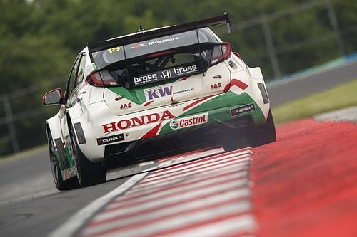 Hungary WTCC: Monteiro holds off Chilton to win opening race