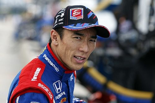 Último a entrar na pista, Sato é pole em Pocono; Kanaan é 4º