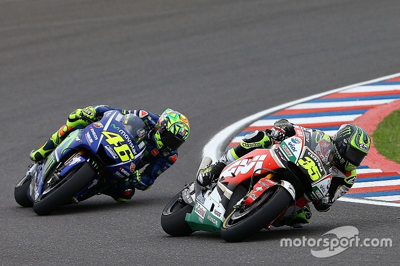 MotoGP riders want to try harder tyre, but not in race weekend