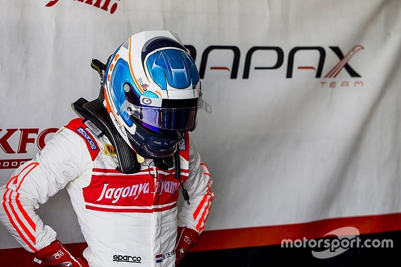 Baku F2: De Vries tops stop-start practice session
