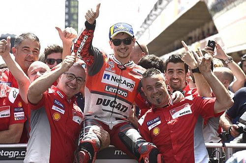 """Calmo"", Lorenzo celebra primeira pole pela Ducati"