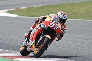 Marquez rapste in eerste training Assen, crash voor Lorenzo