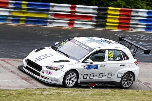 WTCR Nürburgring: Yvan Muller setzt sich im Vierkampf durch