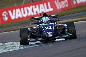 Монгер показал пятое время в квалификации первого этапа британской Ф3